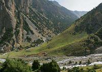 Долина реки Дугоба. Пастушьи стоянки в устье Улитора.
