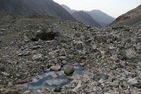 Озеро около лагеря под перевалом Акташ.