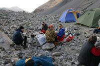 Ужин в лагере под перевалом Акташ.