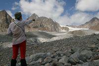 Обсуждение путей выхода на ледник Егорова.
