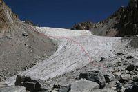 Путь спуска с ледника Дальний в обход ледопада.