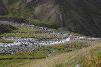 Долина реки Караказык Южный. Вид с дороги на наш лагерь в устье Уллукола.