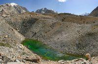 Зелёный глаз Алая. Верховья реки Караказык Северный.