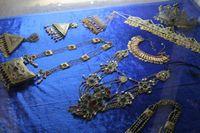 Путешествие по Узбекистану. Самарканд. Это не музей. Здесь всё продаётся. Большинство вещей - добыча чёрных археологов.